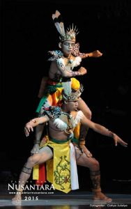 Parade-Tari-Nusantara-2015-kalimantan-tengah-01