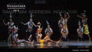 Parade-Tari-Nusantara-2015-kalimantan-tengah-02
