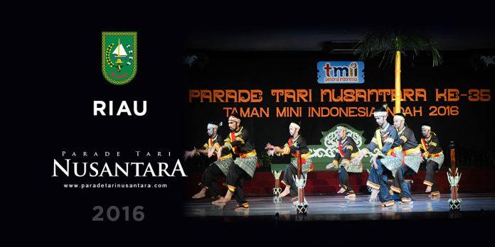 Parade-Tari-Nusantara-2016-Togak Balok Kumantan Godang, Riau