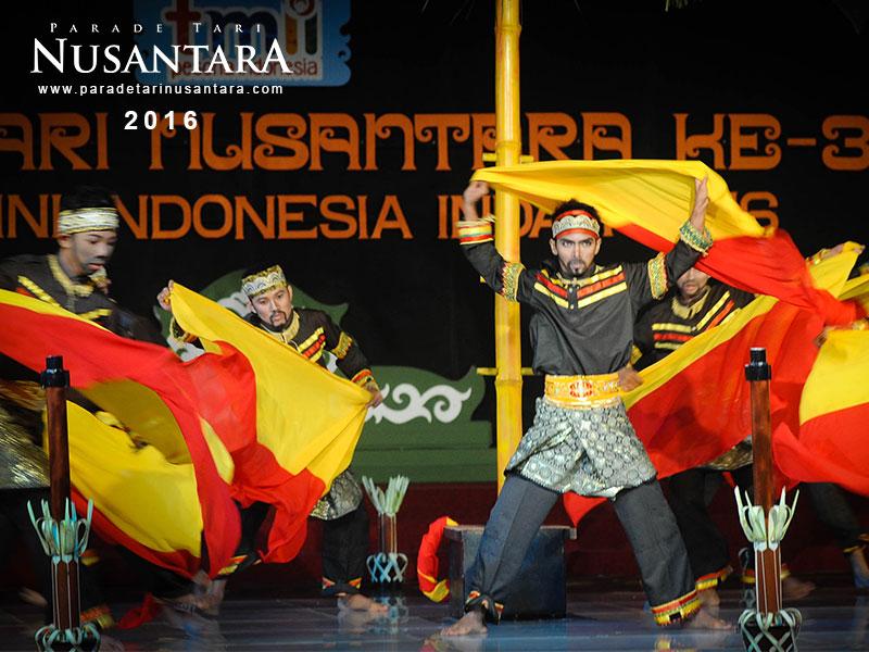 Parade-Tari-Nusantara-2016-horizontal-riau-1