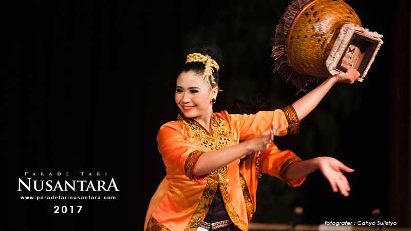 Parade-Tari-Nusantara-2017-DKI-Jakarta-18