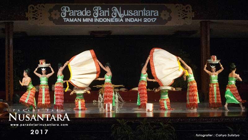 Parade-Tari-Nusantara-2017-Nusa-tenggara-timur-7